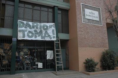 [Darío+en+Toma,+pagina+Nuestra+Guerra.jpg]