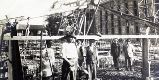 obrerosconstruc1922.png