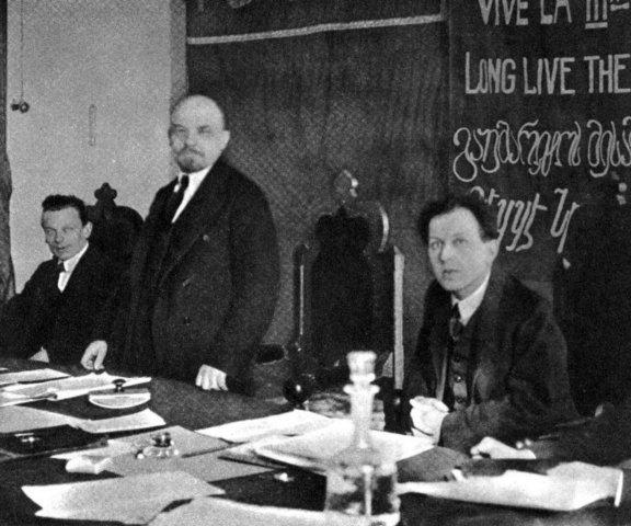 Lenin 1919 comintern.jpg